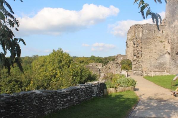 Cilgerran-Castle-01