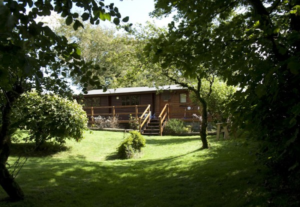 Morlogws-Farm-Holidays-The-Log-Cabin-10