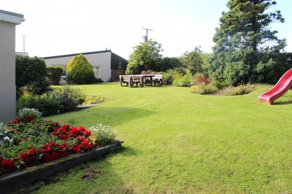 Morlogws-Farm-Holidays_Garden_Seating