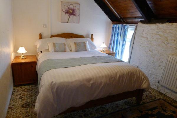 Morlogws Carthouse Cottage Bedroom